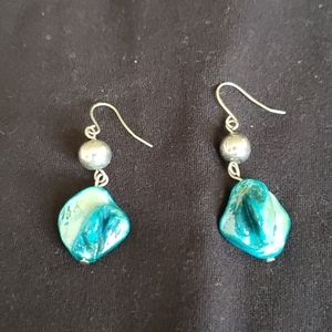 💚 3 for $13 💚 Beautiful stone earrings